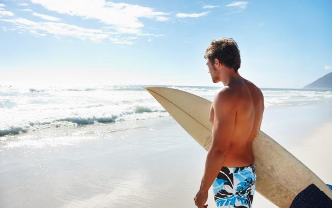 Surfer-Beach_tn2